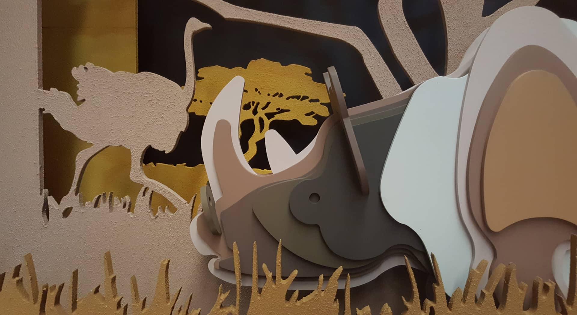 Fabricación de rinoceronte en madera para traseras de escaparates Hermès