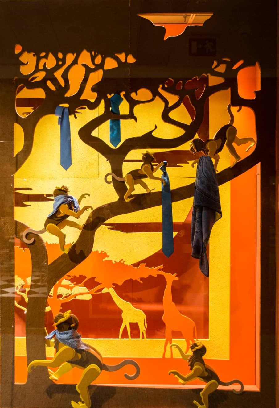 Proyecto Hermès Savanna colocación de producto en escaparates de la boutique
