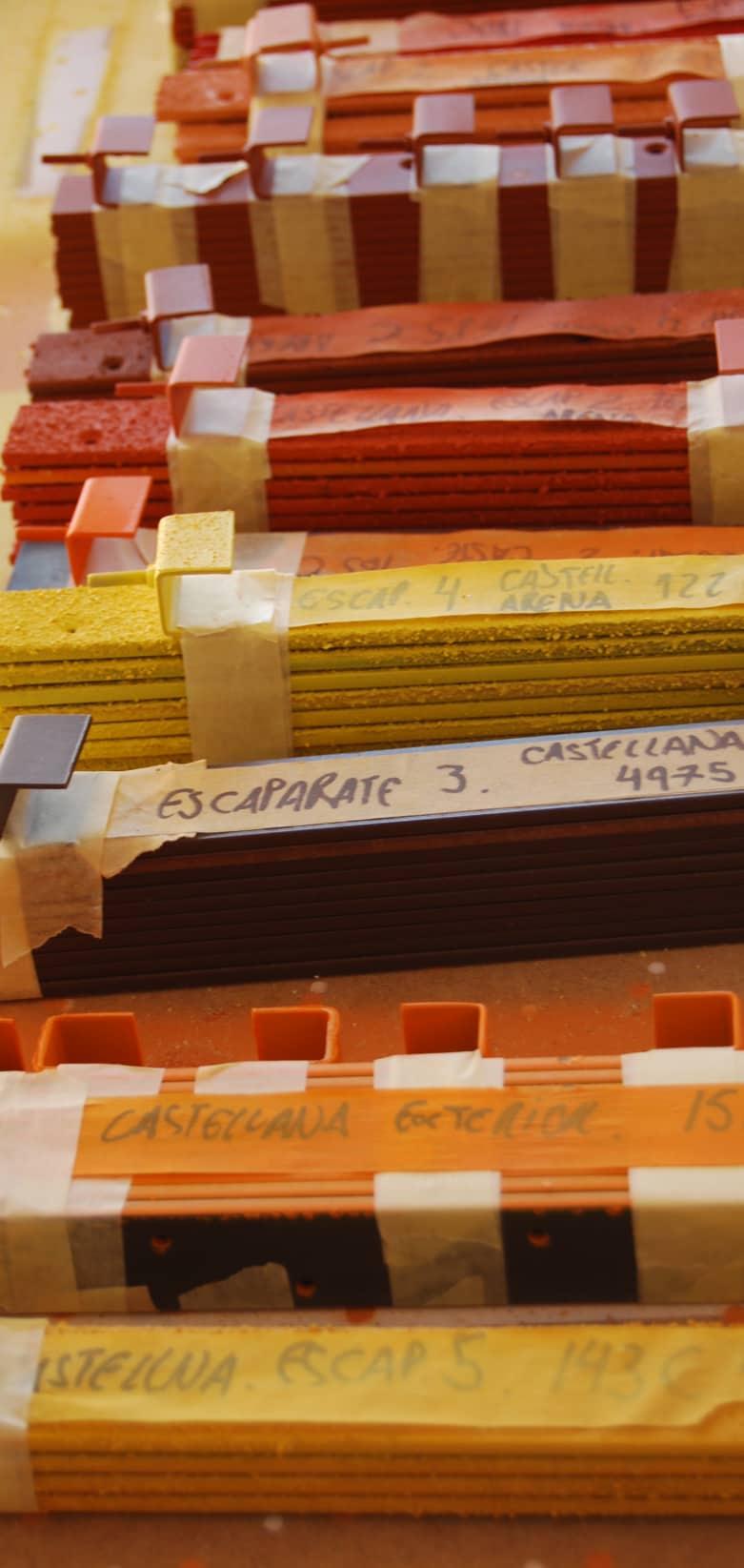 Muestrario de colores para la producción de elementos que irán en el escaparate