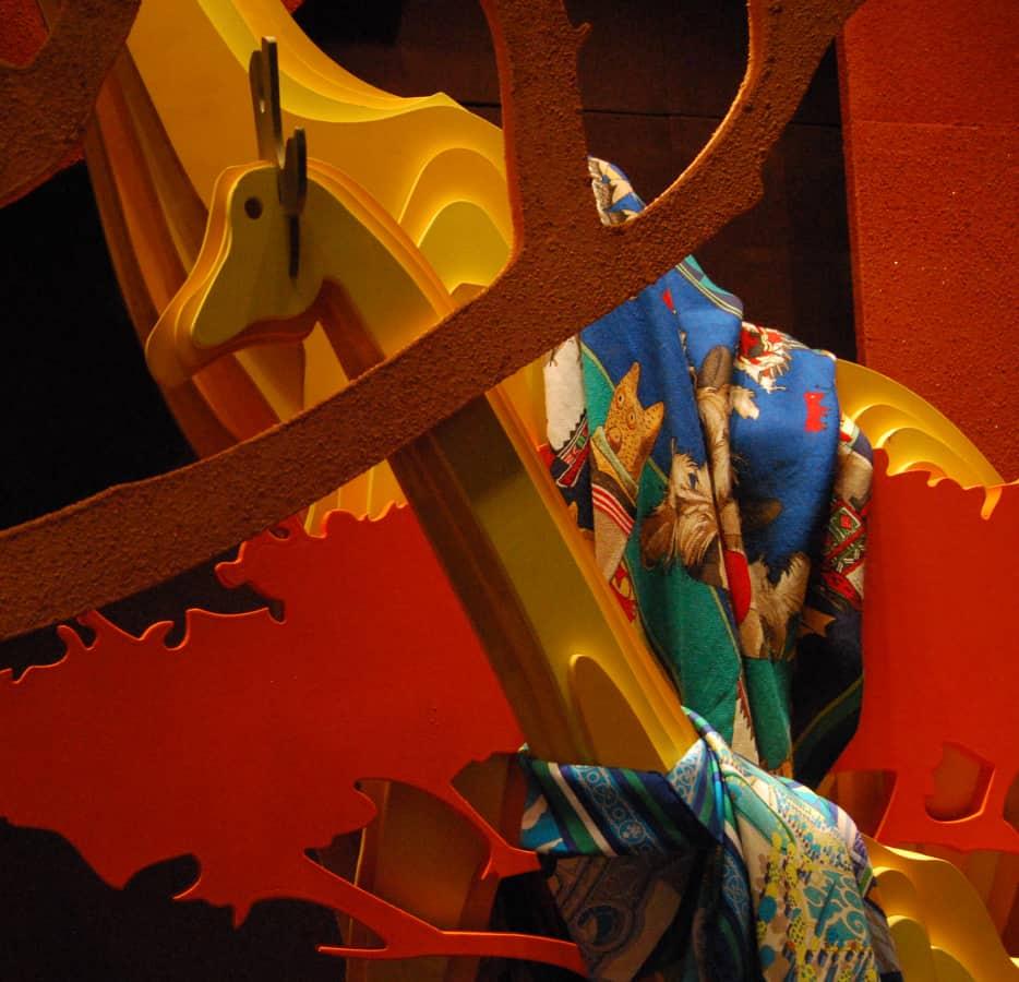 Producción artesanal para decoración escaparates Hermès Savanna