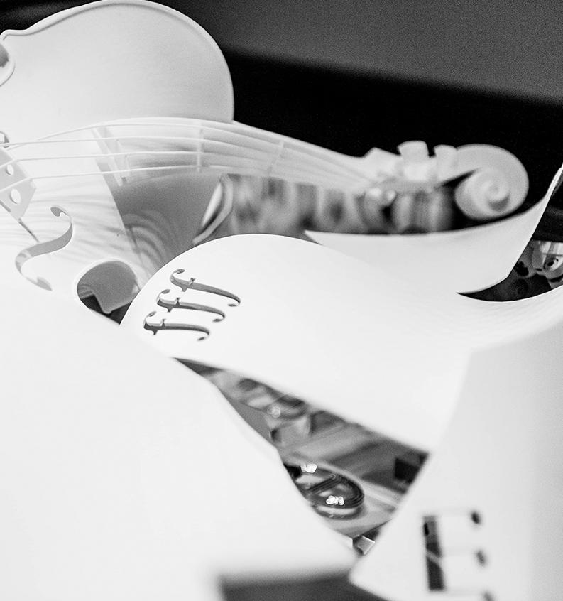 Almacenamiento en warehouse de piezas de violines de la marca Hermés