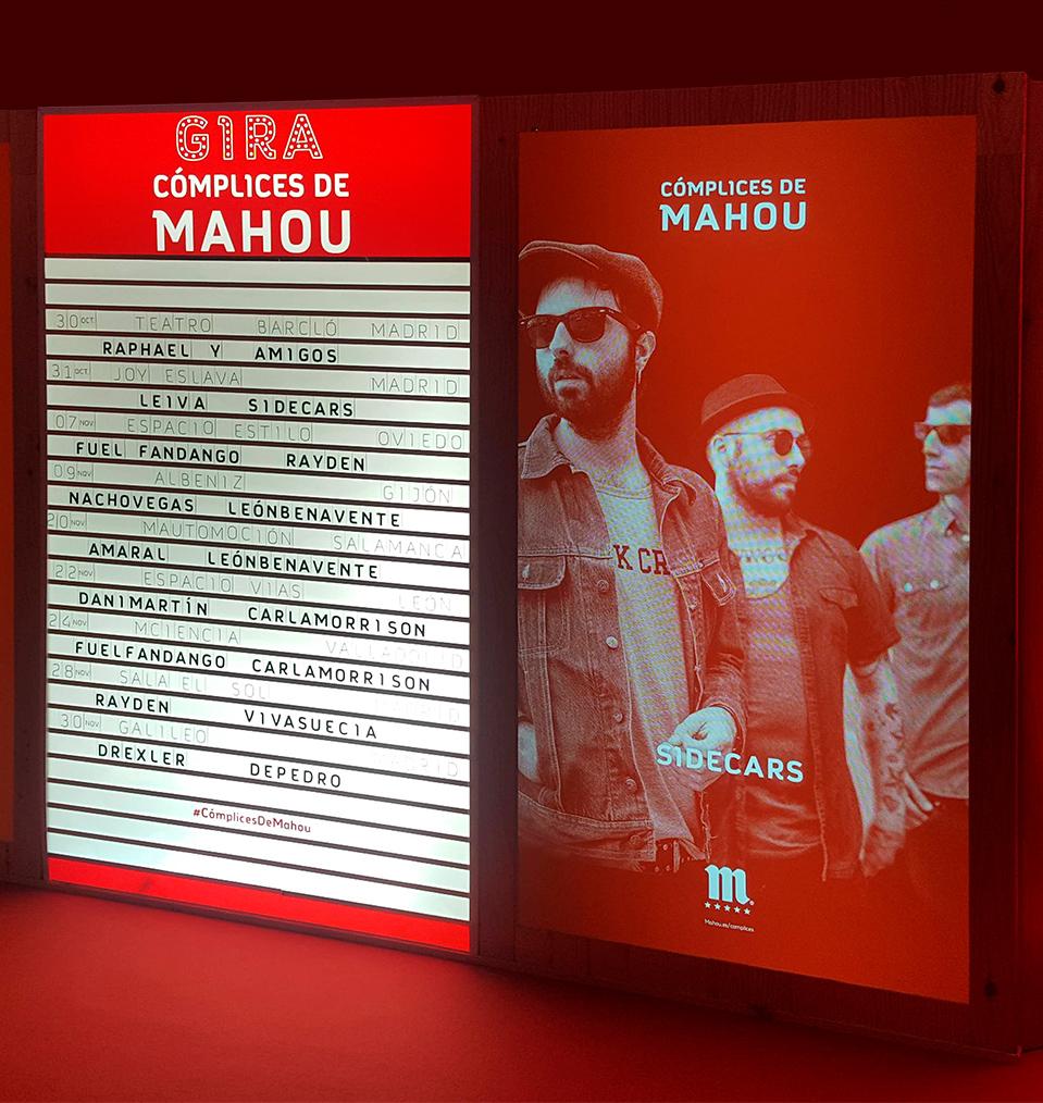 PLV promocional de madera para el evento de Cómplices de Mahou