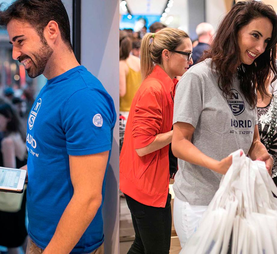 Distribución de merchandising en la inauguración de la tienda de North Sails