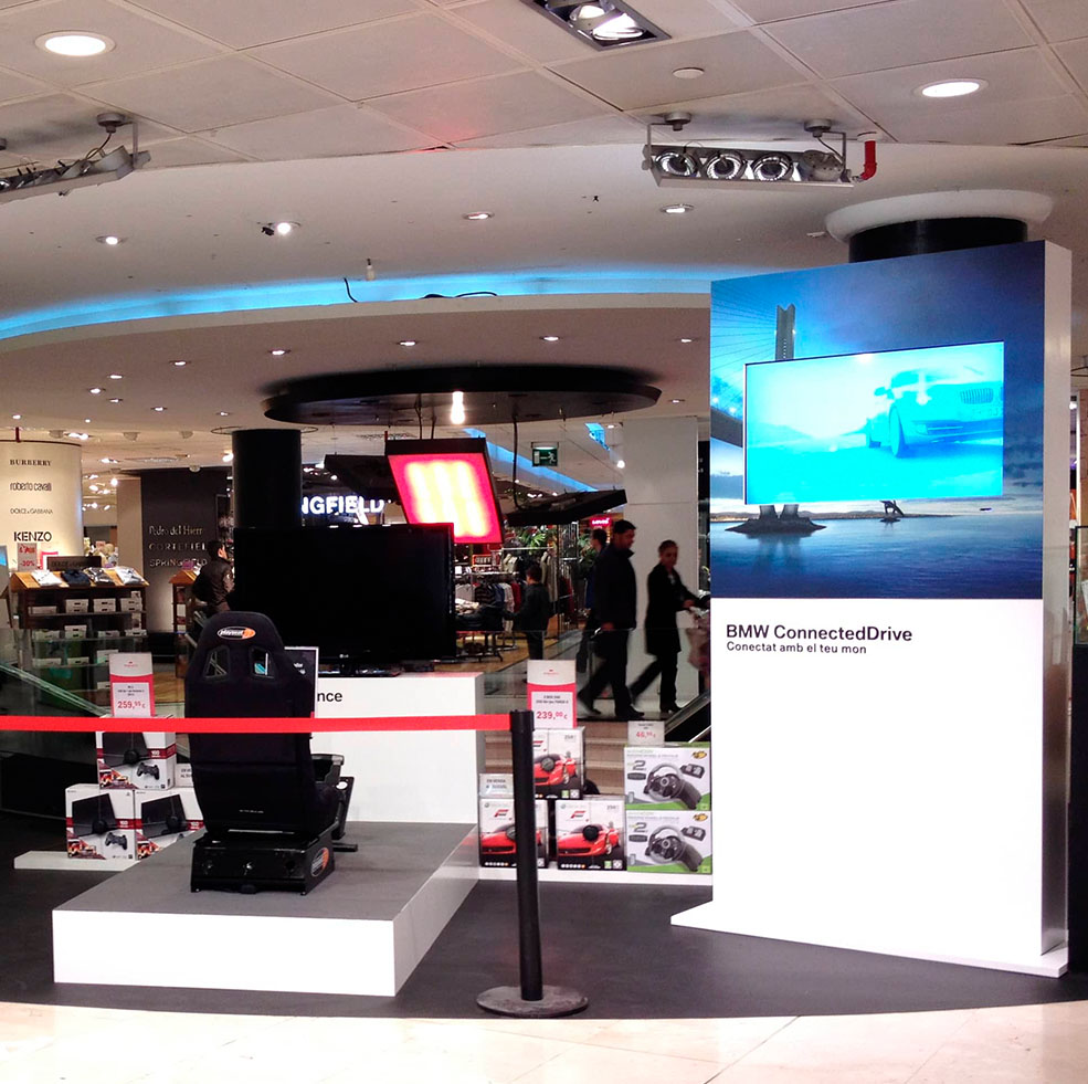 Sistema de cartelería tecnológica para evento de BMW en un centro comercial de Andorra