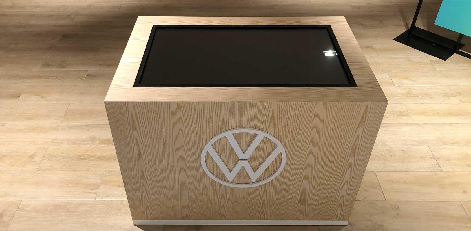 Mobiliario personalizado a medida para evento volkswagen