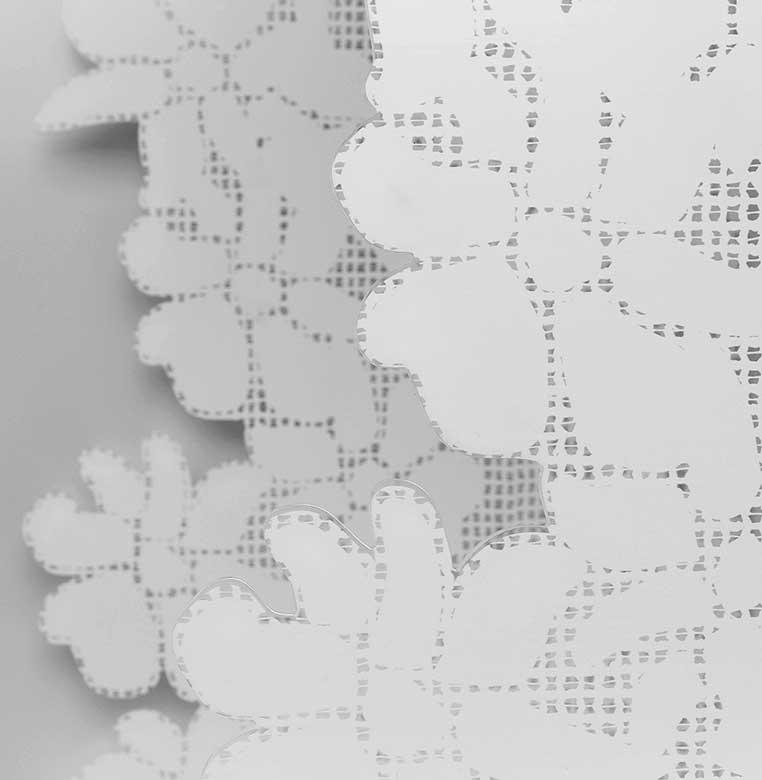 Fabricación en metacrilato troquelado para decoración de escaparates