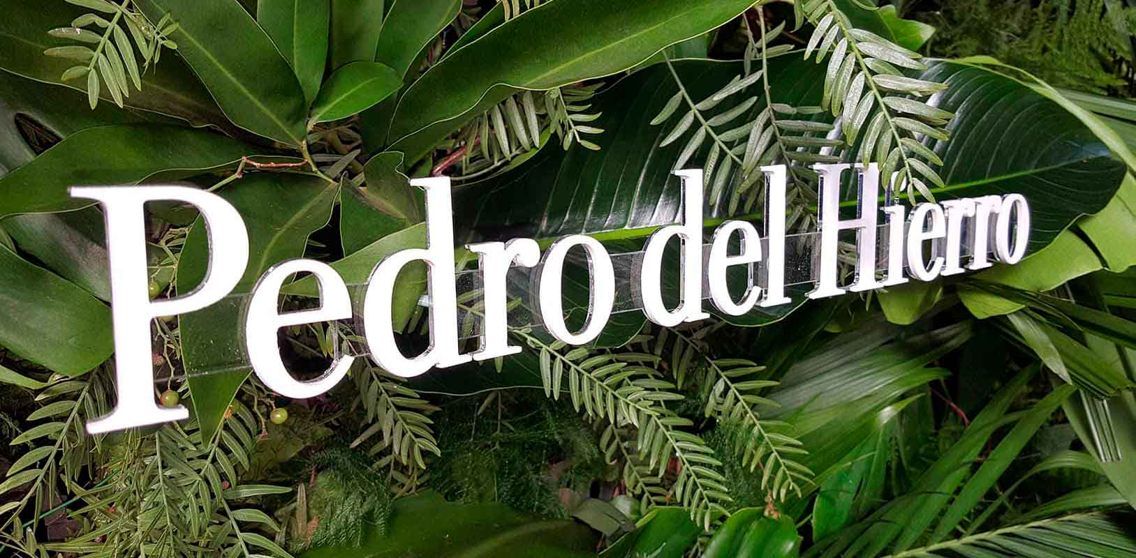 Letras corpóreas fabricadas en PVC para evento de Pedro del Hierro.