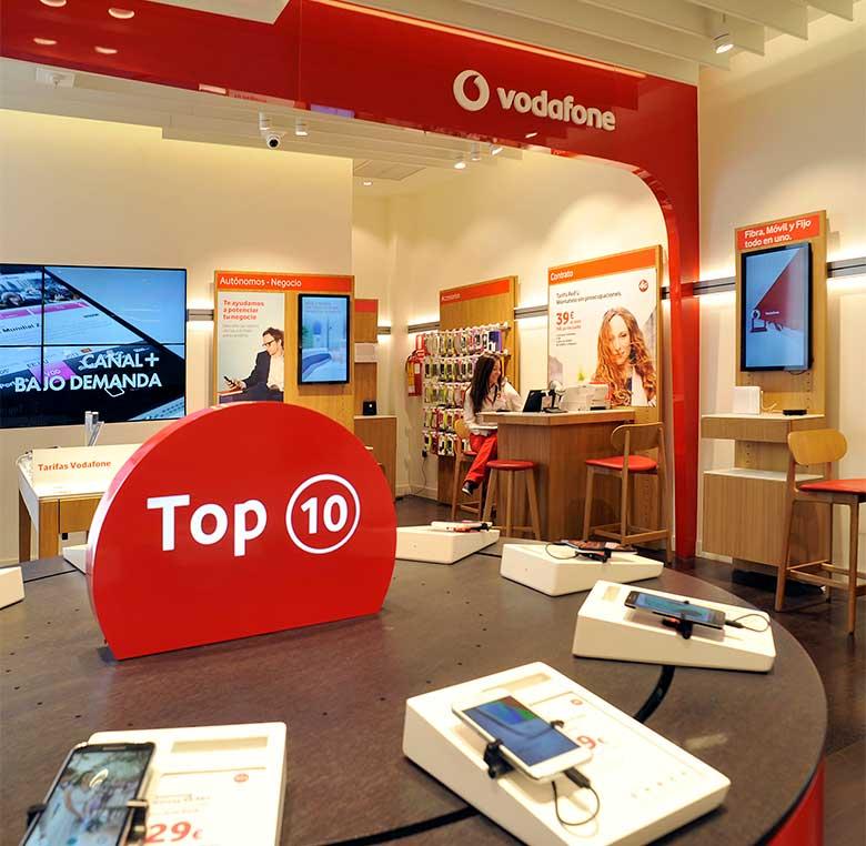 Comunicación visual en tienda Vodafone.
