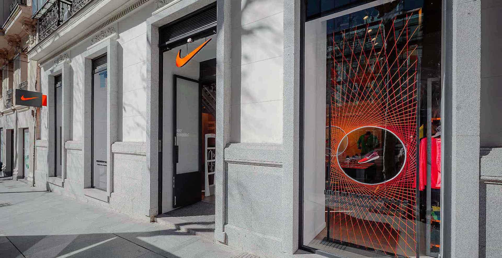 Exterior fachada tienda Nike Madrid