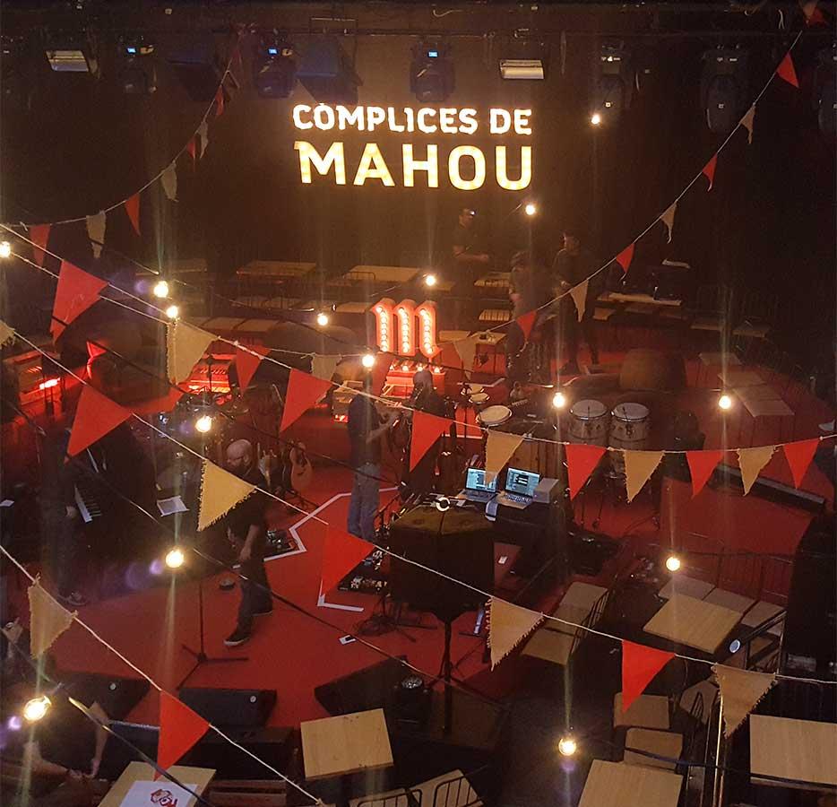 Instalación decoración evento cómplices de Mahou