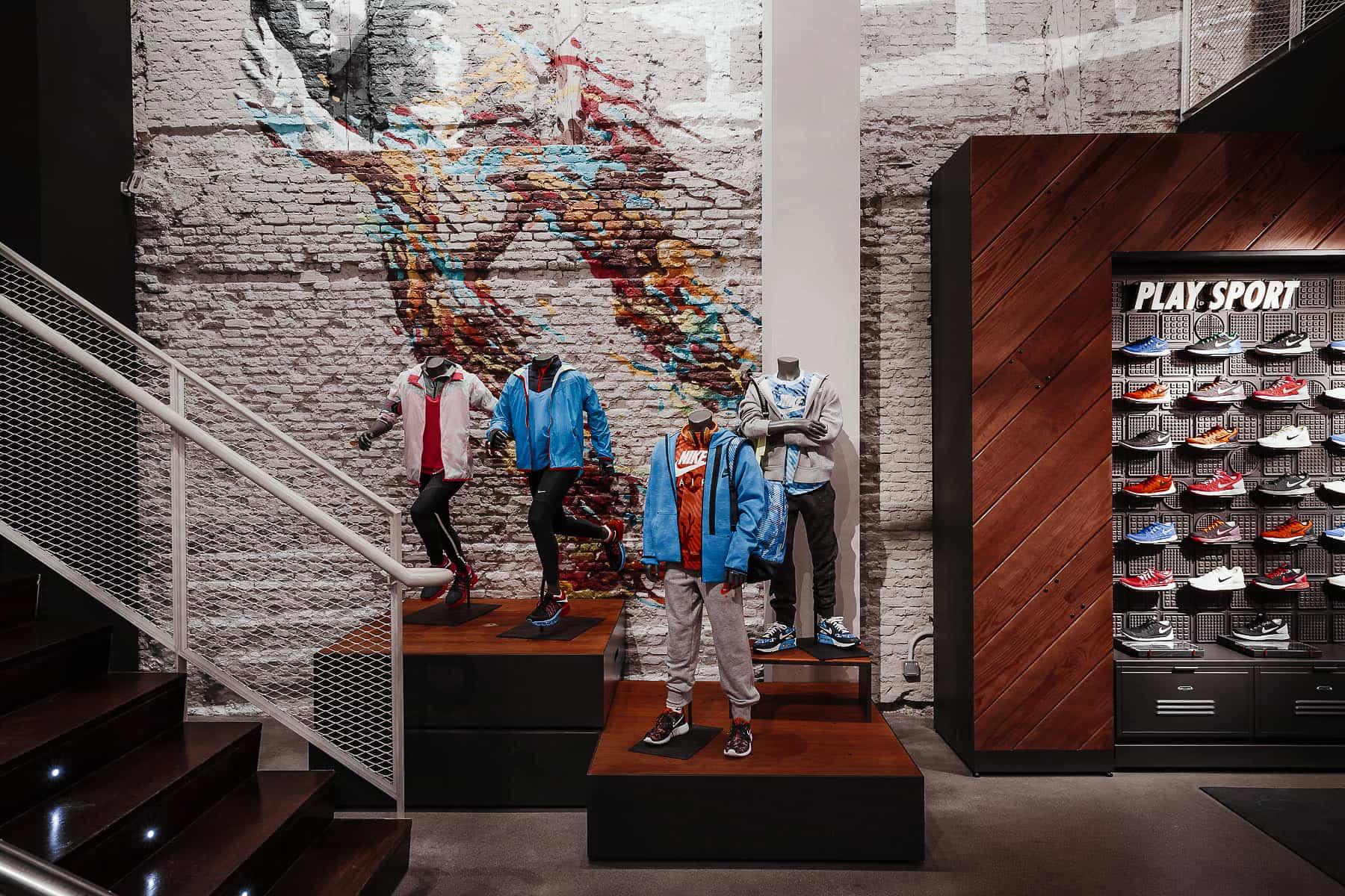 montaje e instalación en tienda Nike