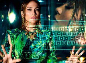 Digitalización en PDV Jennifer Lopez Versace