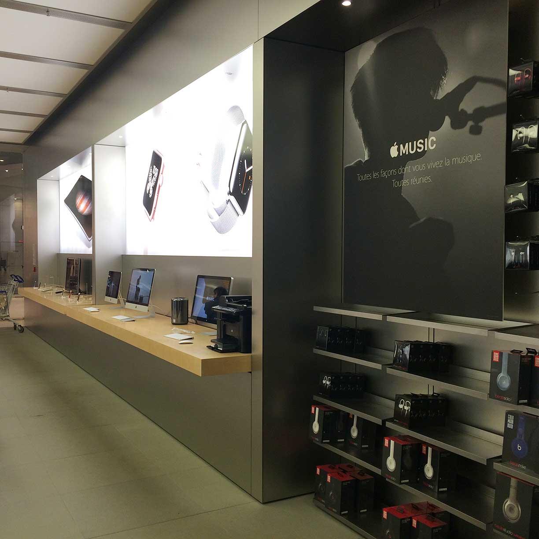 instalacion-mobiliario-de-tienda-en-metal-para-apple-store-francia