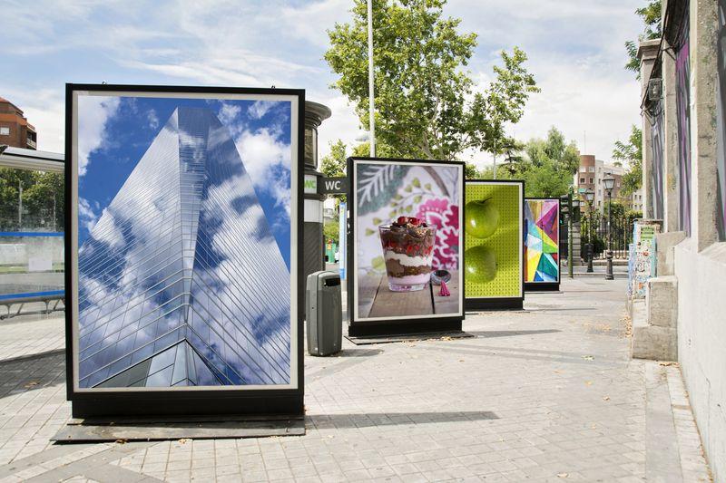 Publicidad exterior en cartelería digital en las calles de Valencia