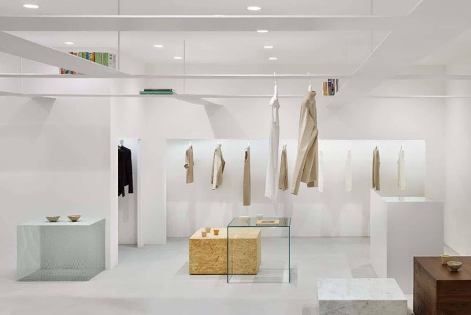 Beige-establecimiento-de-ropa-proyecto-del-estudio-Nendo-en-Tokio
