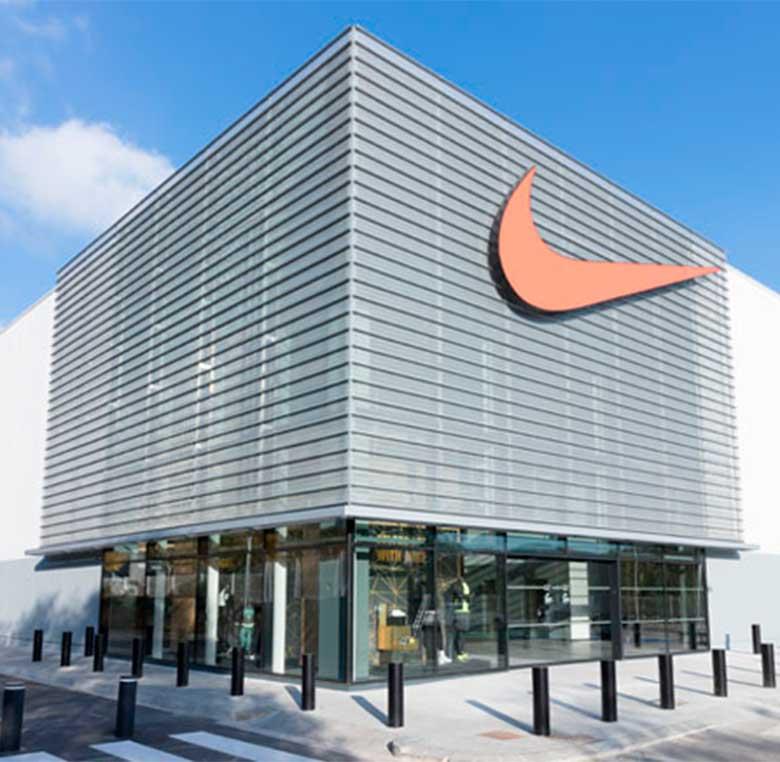 Fachada Nike LaRoca Barcelona