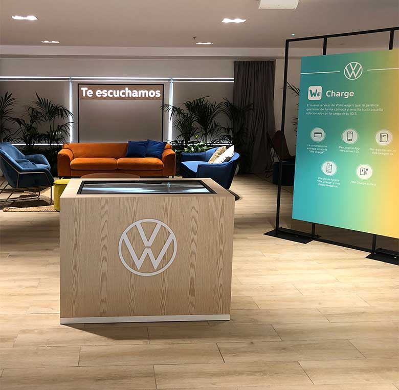 Evento Volkswagen decoración gráfica zona lounge
