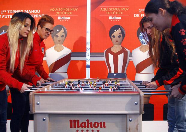 clientes-futbolin-femenino-mahou-01