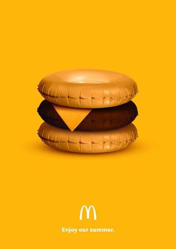Cartelería impresa publicidad McDonald