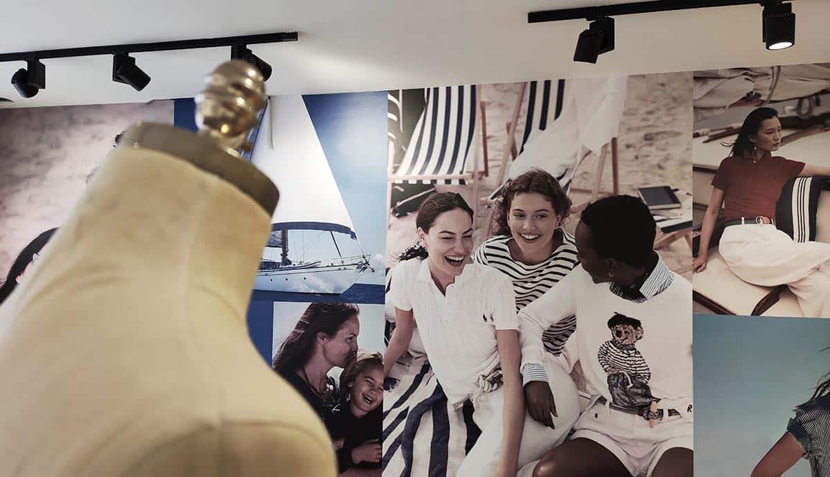 instore-clientes-ralph-lauren-impresion-en-vinilo-para-paredes-showroom