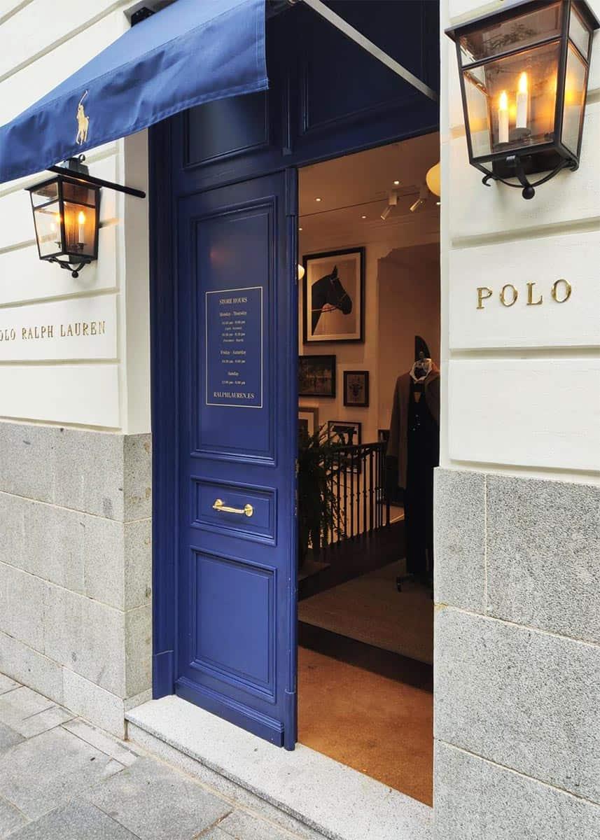 instore-clientes-ralph-lauren-vinilo-de-corte-decoracion-puerta-boutique