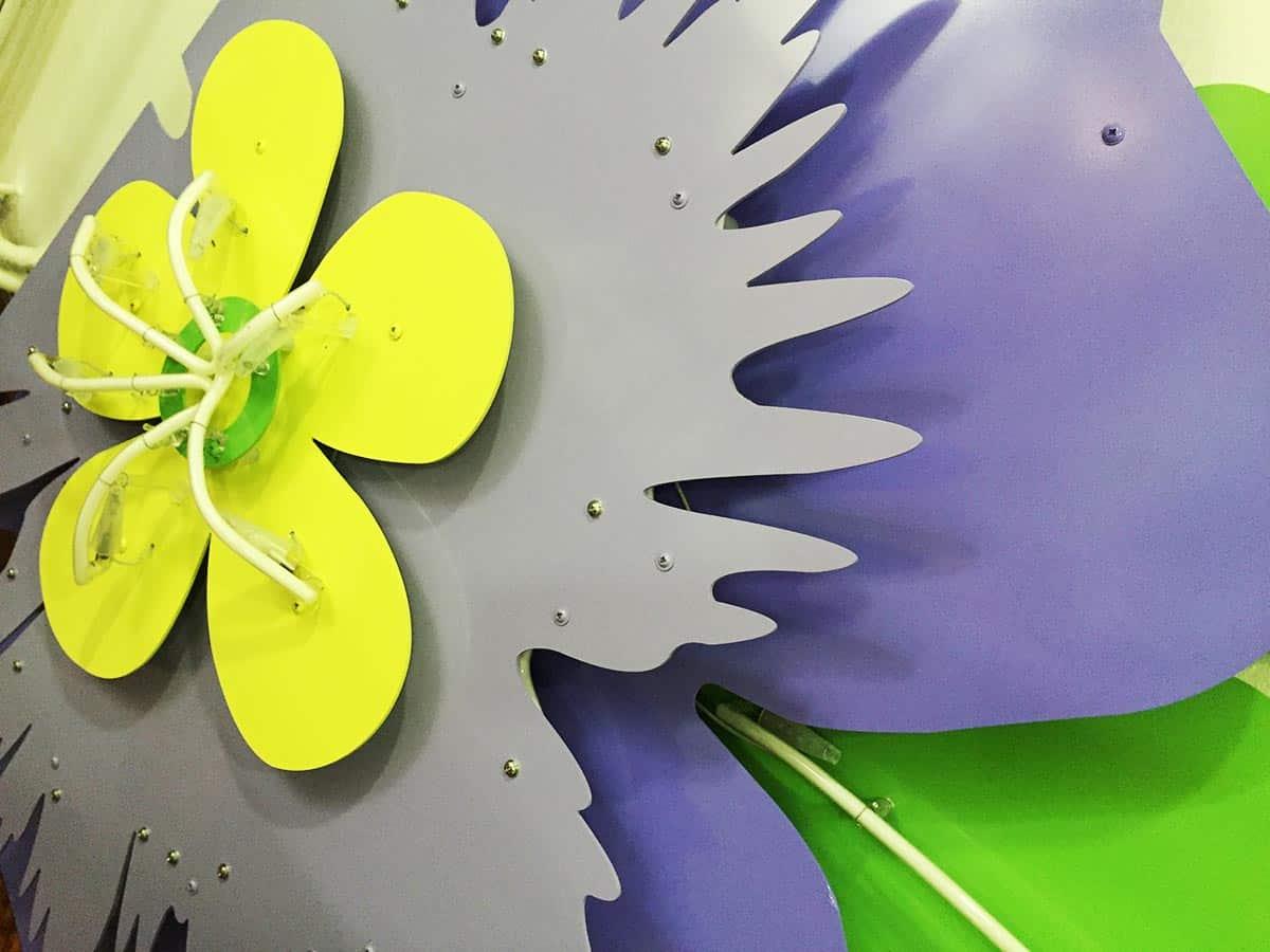 instore-clientes-stellamccartney-rotulos-luminosos-neon-y-metal