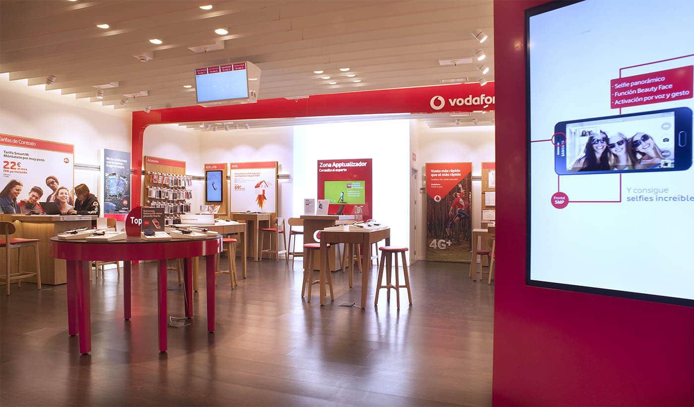 instore-clientes-vodadone-pantalla-led-flagship-store