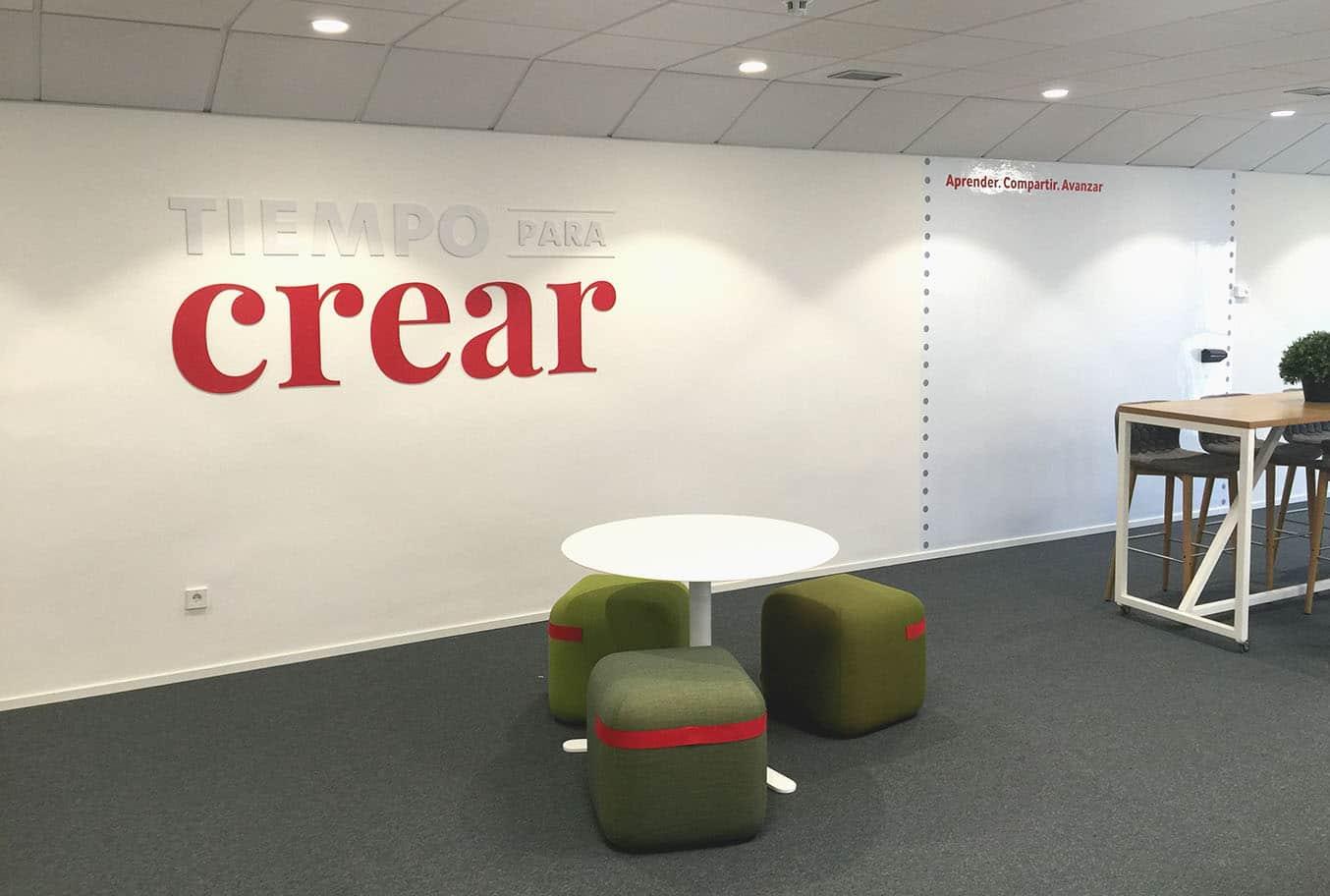 instore-clientes-vodafone-decoracion-de-oficinas-modernas