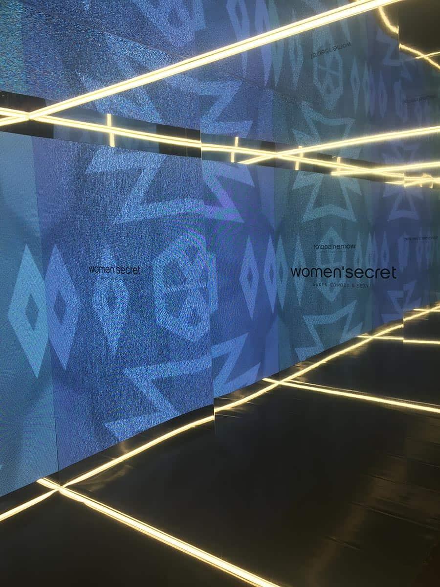 instore-clientes-womensecret-pantalla-led-gran-formato