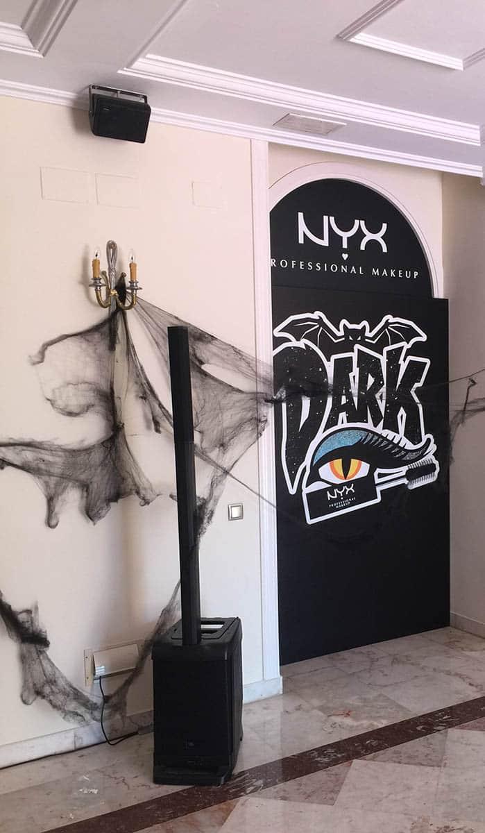 instore-clientes-NYX-comunicacion-visual-evento-empresa-halloween
