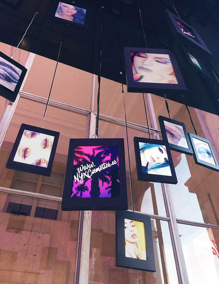 instore-clientes-NYX-pantallas-led-a-medida-para-evento
