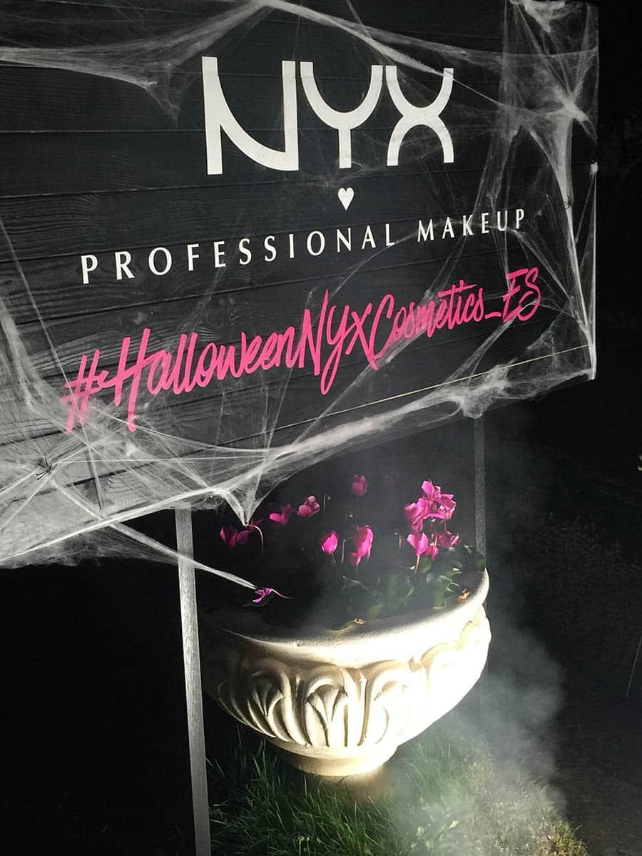 instore-clientes-NYX-vinilo-de-corte-para-decoracion-evento