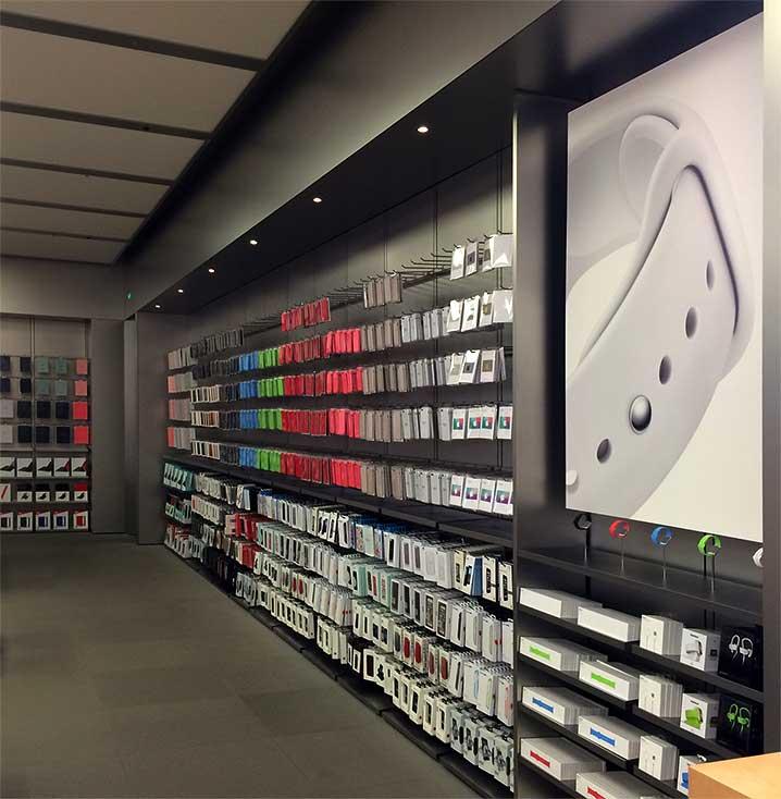 instore-clientes-apple-diseno-de-espacios-comerciales