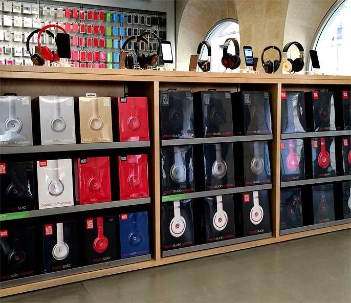 instore-clientes-apple-instalacion-mobiliario-para-tiendas-francia