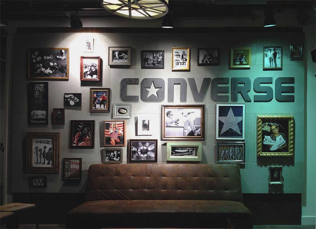 instore-clientes-converse-comunicacion-visual-letras-corporeas-para-evento