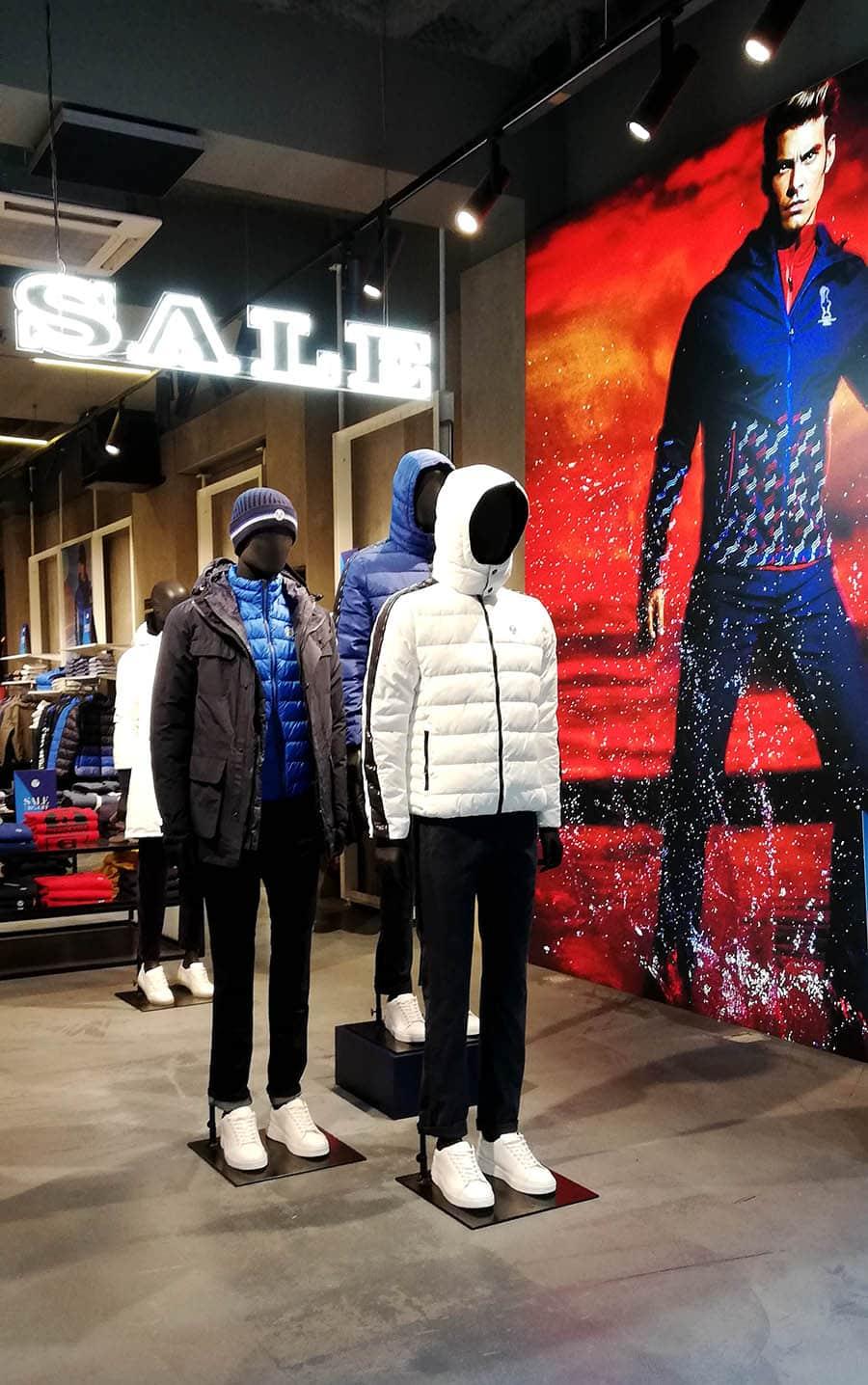 instore-clientes-north-sails-instalacion-rotulos-de-neon