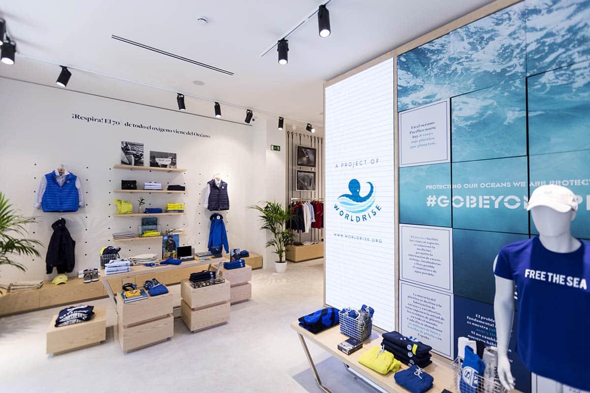 instore-clientes-north-sails-mobiliario-para-tiendas-en-madera