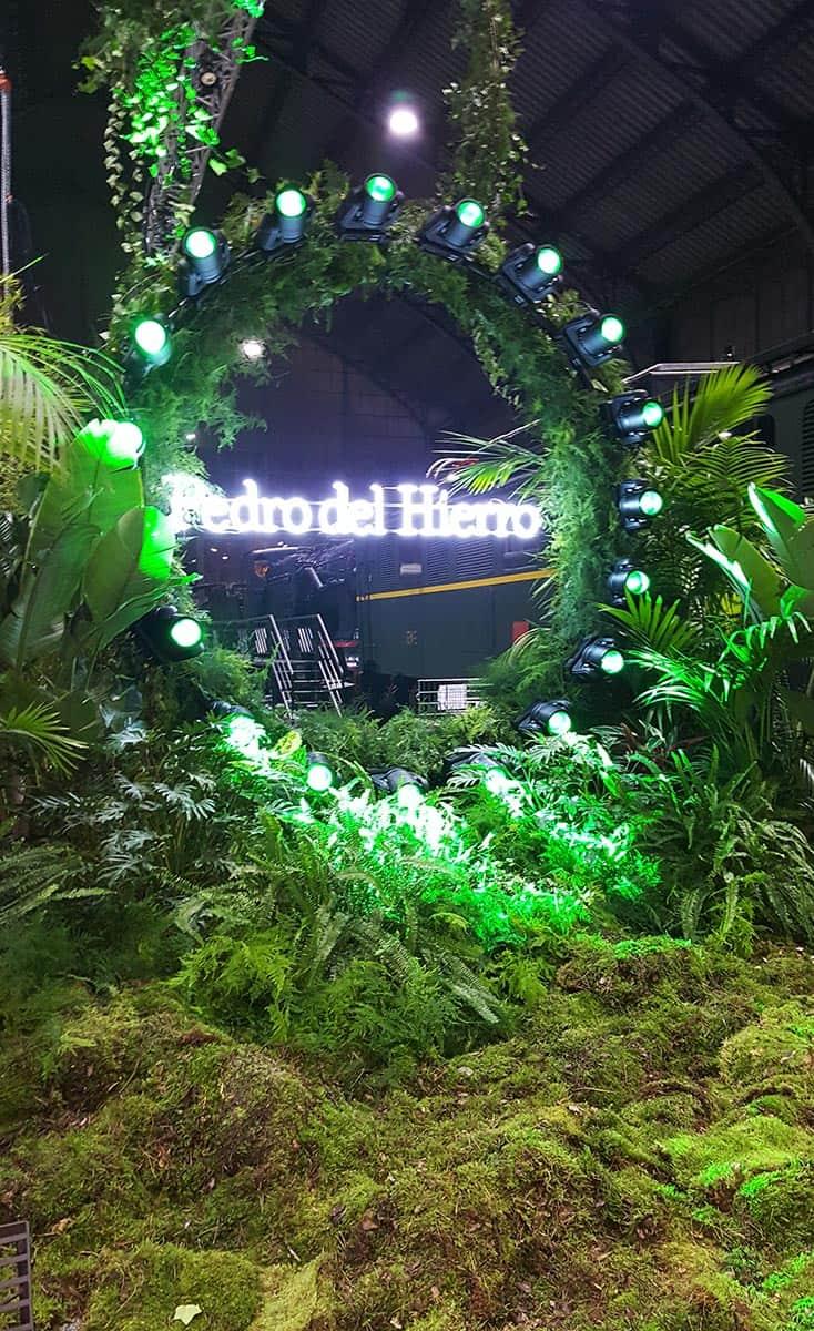 instore-clientes-pedrodelhierro-rotulo-luminoso-neon-decoracion-evento