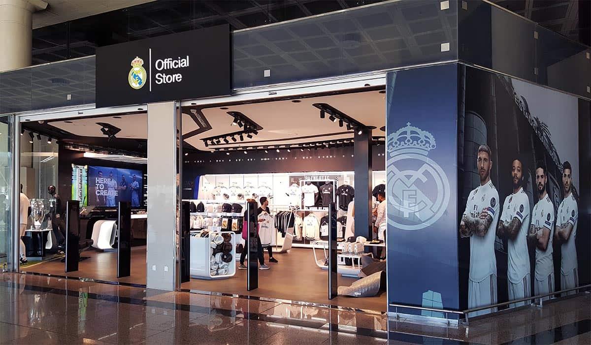 instore-clientes-realmadrid-impresion-en-vinilo-decoracion-tiendas