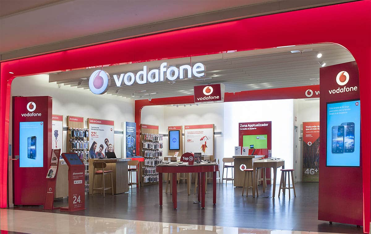 instore-clientes-vodadone-produccion-grafica-flagship-store
