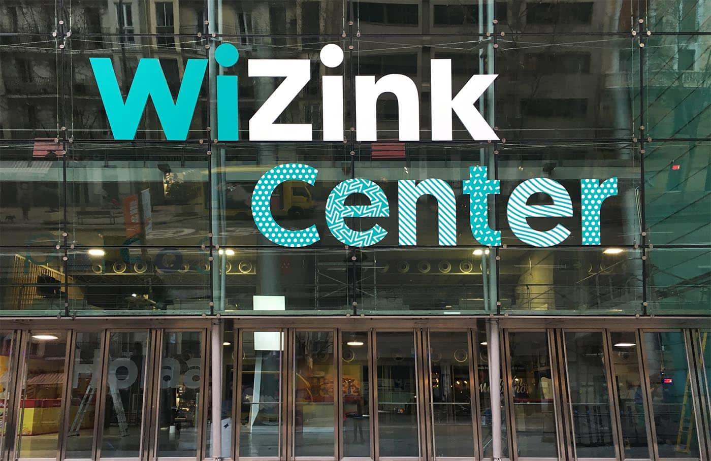 instore-clientes-wizink-impresion-en-vinilo-pvc