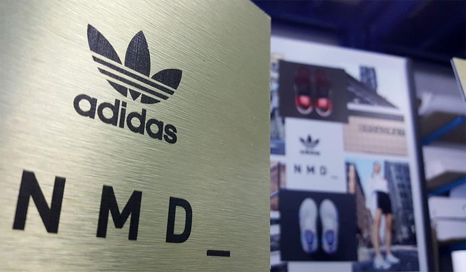 instore-clientes-adidas-comunicación visual-impresion-digital