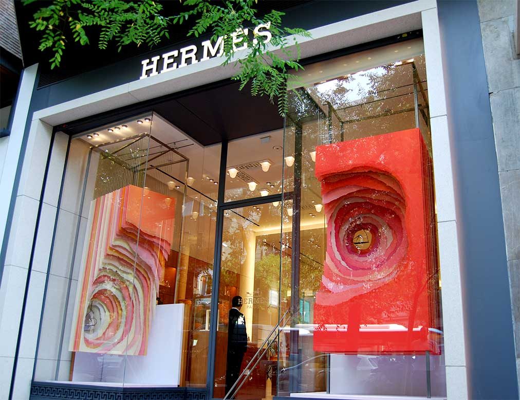 instore-clientes-hermes-diseno-escaparates-produccion-e instalacion