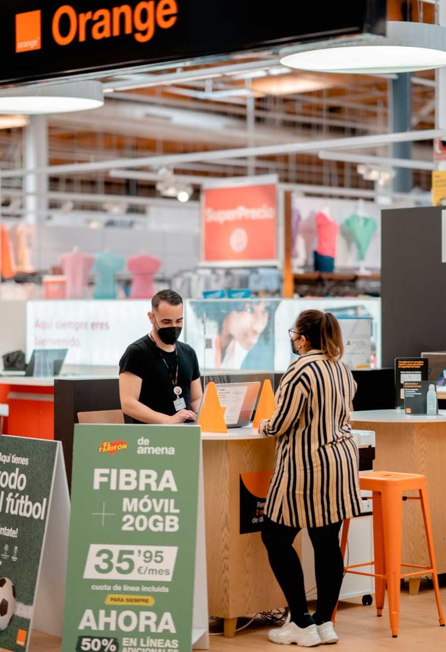 Importancia a la experiencia del cliente en la tienda Orange retail